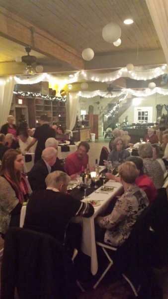 Christmas Caroling And Dinner Theater Performance The